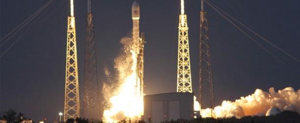 SpaceX, Falcon 9 roketiyle 10 uyduyu uzaya taşıdı